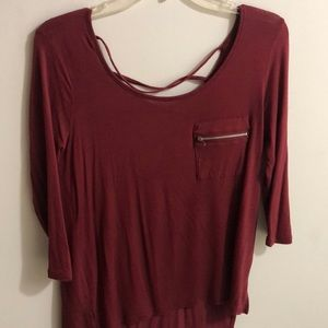 Tops - Blouse in maroon cut out back